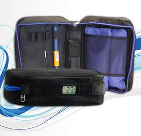 Umożliwia bezpieczne tansportowanie insuliny wraz z chłodzeniem