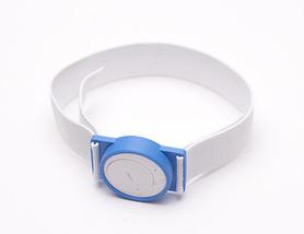 Kolor niebieski z białą gumą